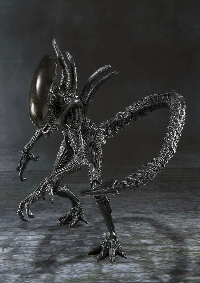 Imagen de Alien Warrior Figura  Alien VS Predator S.H.MonsterArts